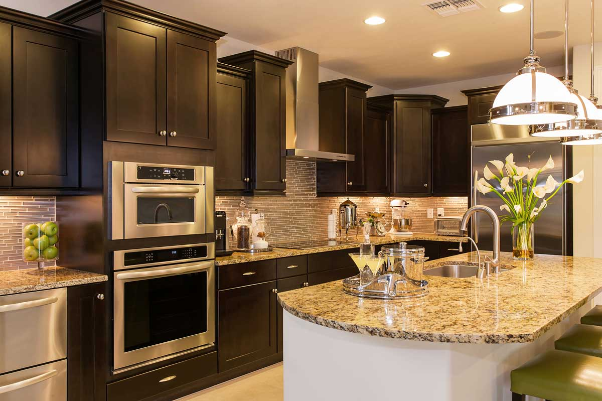 Luxury Traditional Brown Kitchen Cabinet Island