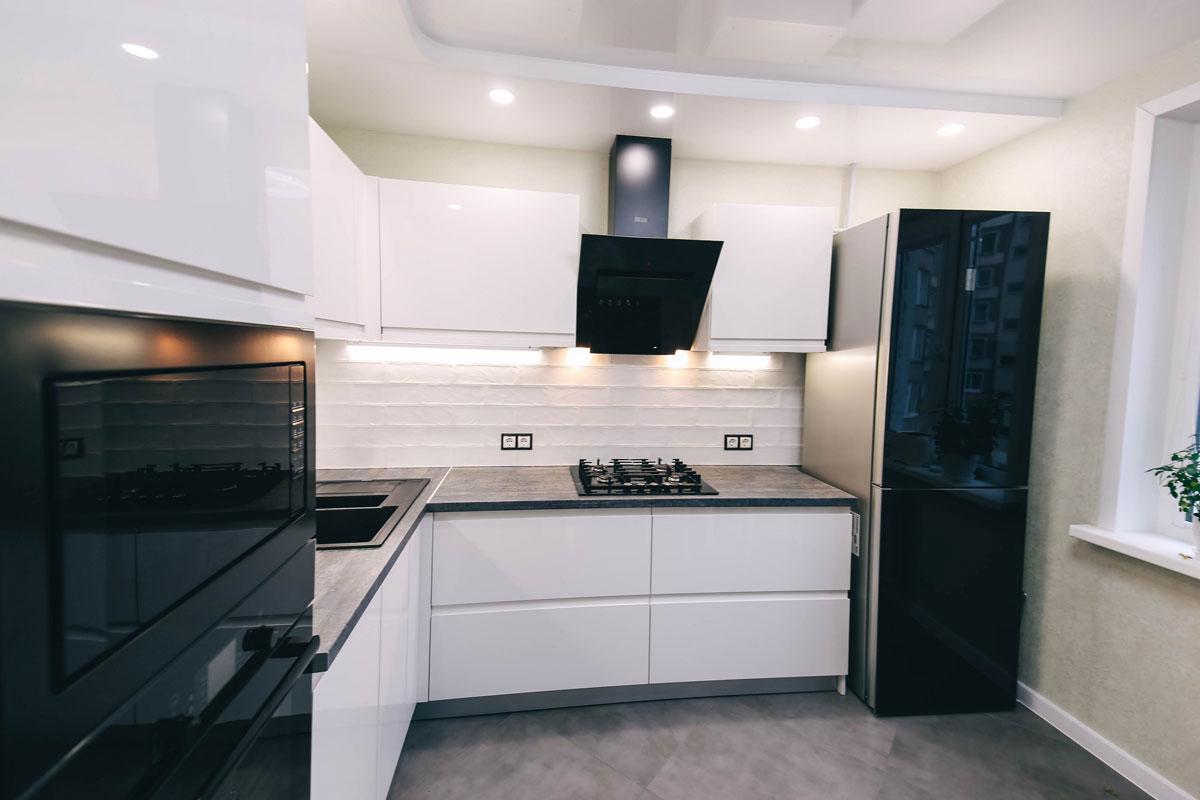 White L Shape Modular Kitchen With Appliances
