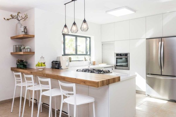 White Peninsula Modular Kitchen With Breakfast
